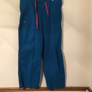 Med Couture scrub pants L